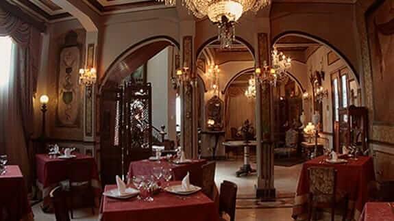 elegant restaurant at mansion del rio hotel guayaquil