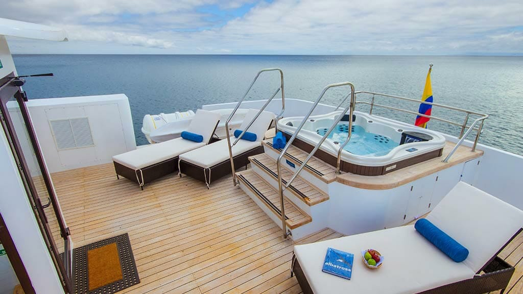 jacuzzi and loungers on the Natural Paradise yacht sun deck