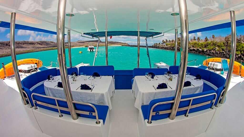 nemo 1 galapagos catamaran alfresco dining area