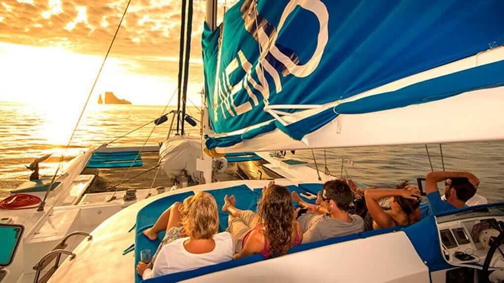nemo 1 catamaran sunset views from the sundeck