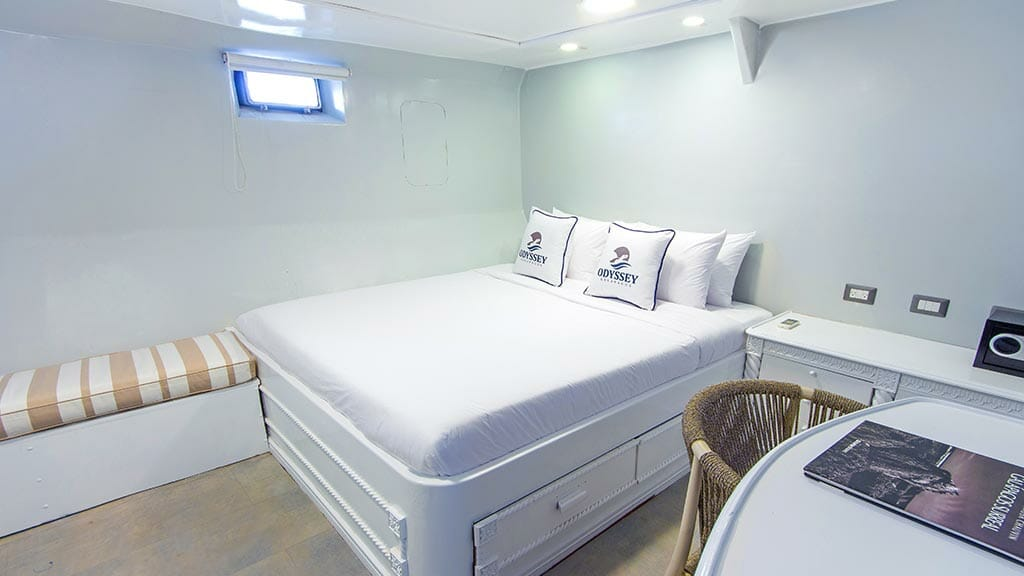 Odyssey Galapagos yacht - double bed cabin