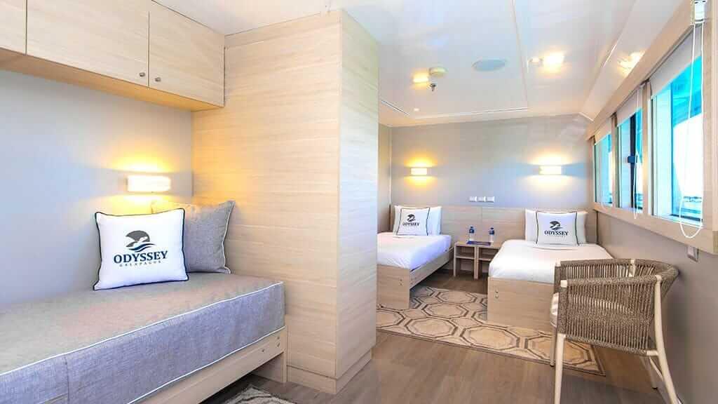 Odyssey Galapagos yacht - modern twin guest cabin