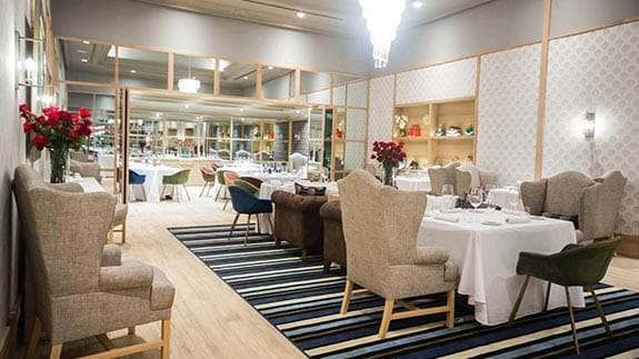 fine dining at the oro verde hotel restaurant in guayaquil