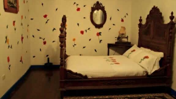 su merced hotel quito - double bedroom