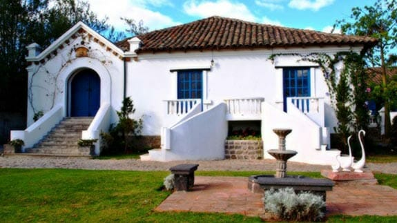 exterior of hacienda su merced puembo quito