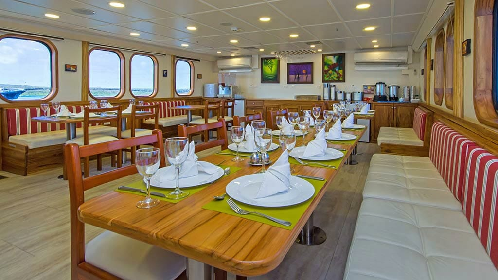 TipTop iv yacht indoor dininge tables