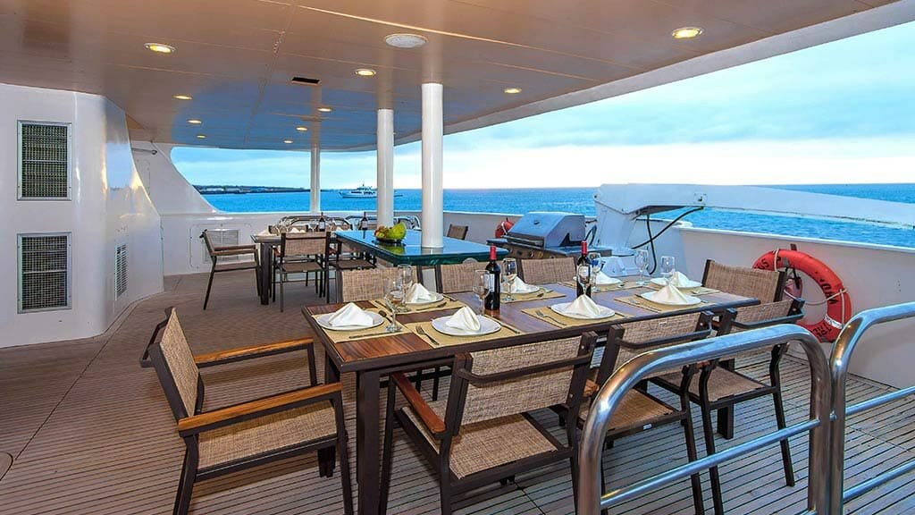 treasure of galapagos yacht - al fresco dining area