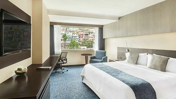double room with king bed at wyndham hotel guayaquil