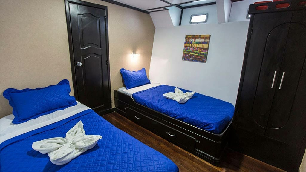 xavier galapagos yacht - twin bed guest cabin
