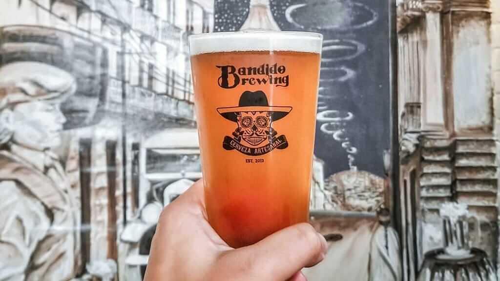 pint of craft beer at bandido brewing ecuador