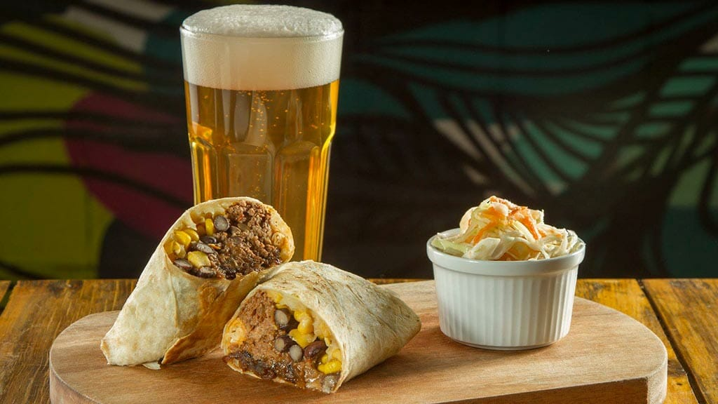 la roots quito beer and tacos
