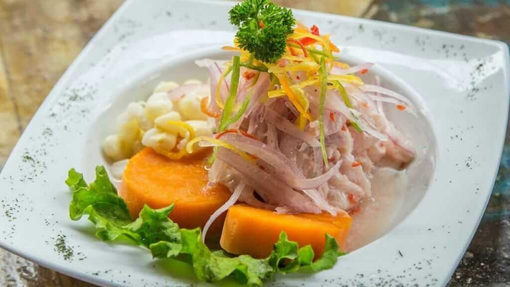 fresh dish at ceviche de guapulo restaurant quito