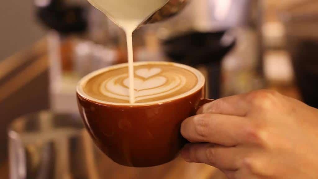 barista preparing a cup of ecuadorian coffee