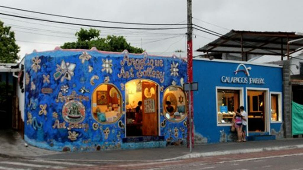 the-angelique-art-gallery-galapagos-islands