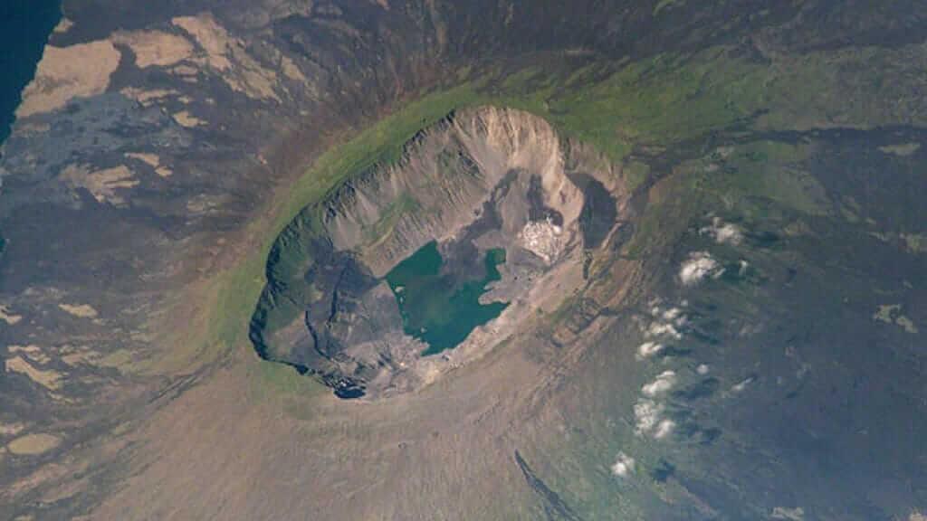 volcan-galapagos-islands