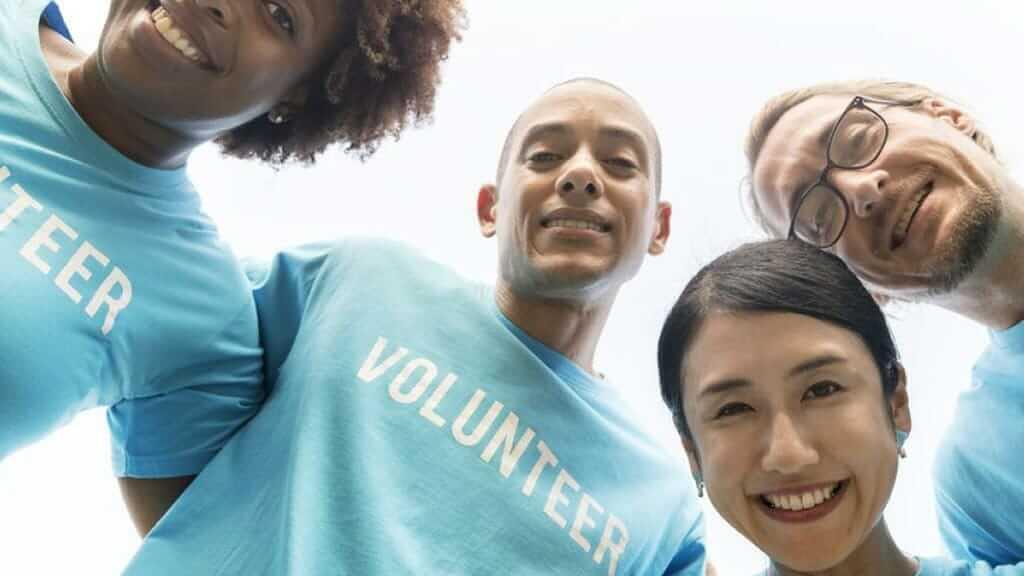 volunteer when travelling in ecuador