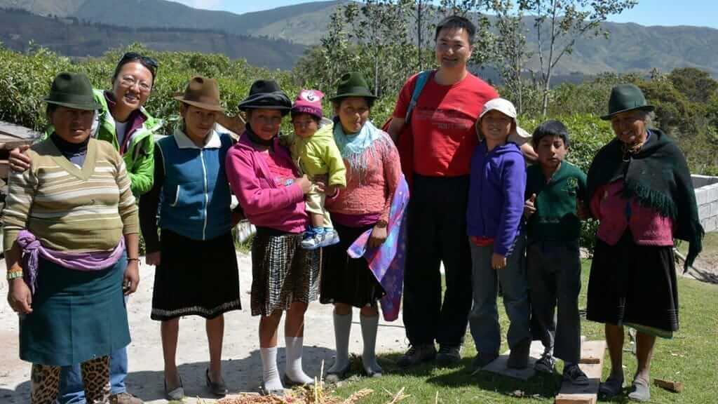 volunteering in ecuador at an indigenous indian village