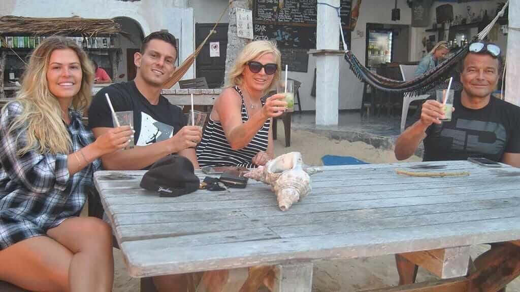 betos-beach-bar