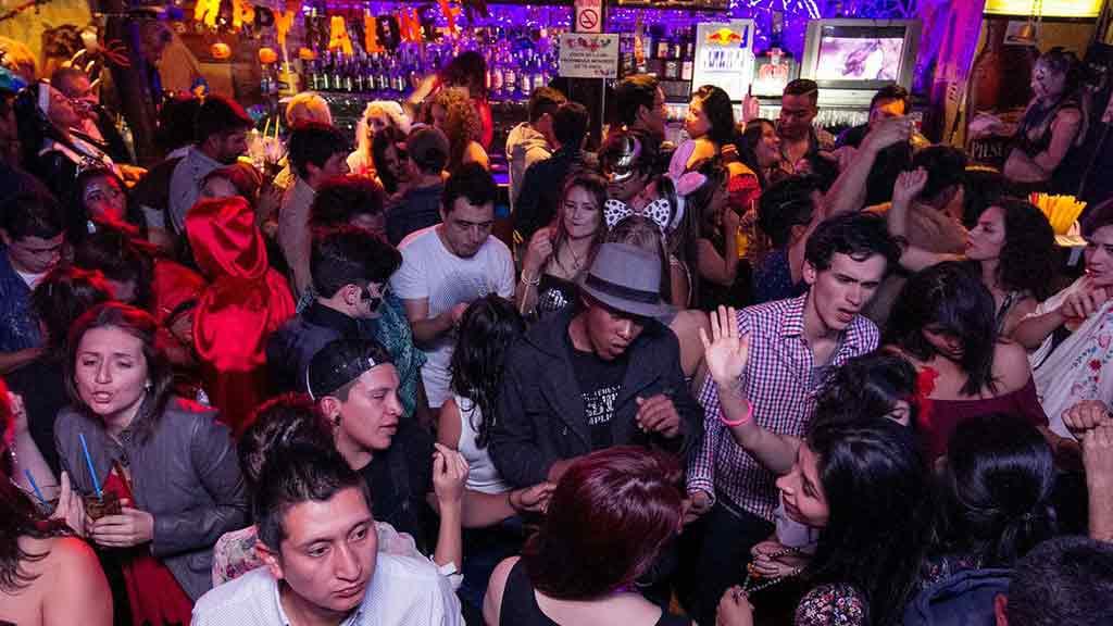 bungalow 6 nightclub ladies night in quito ecuador