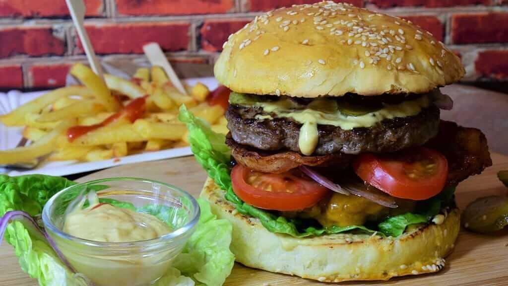 cris-burger-factory