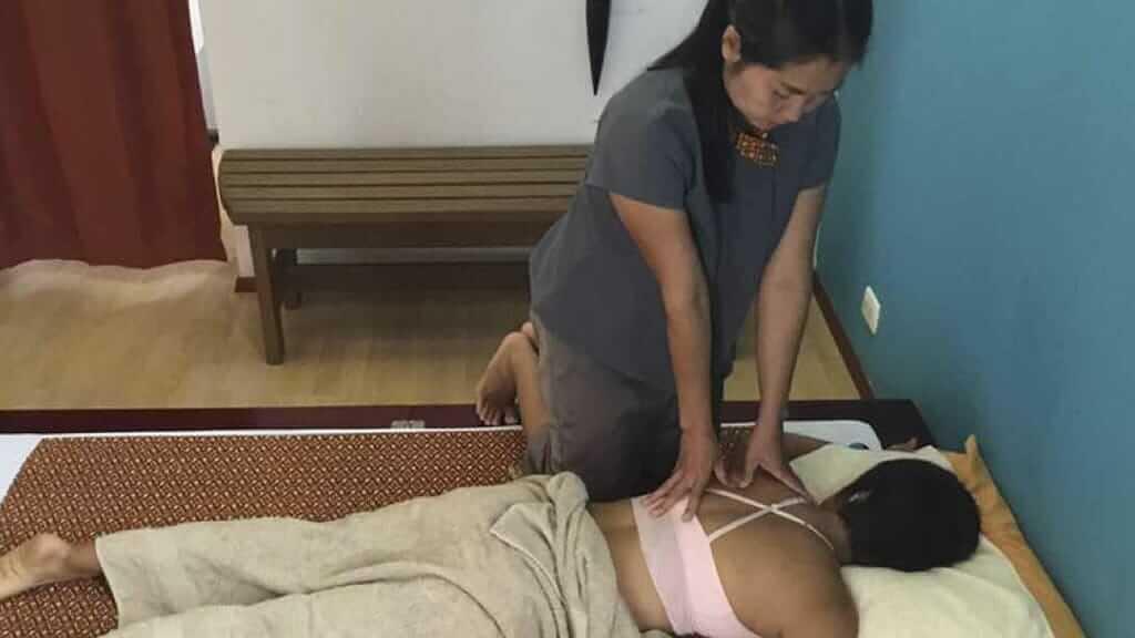 famai-thai-massage-puerto-ayora