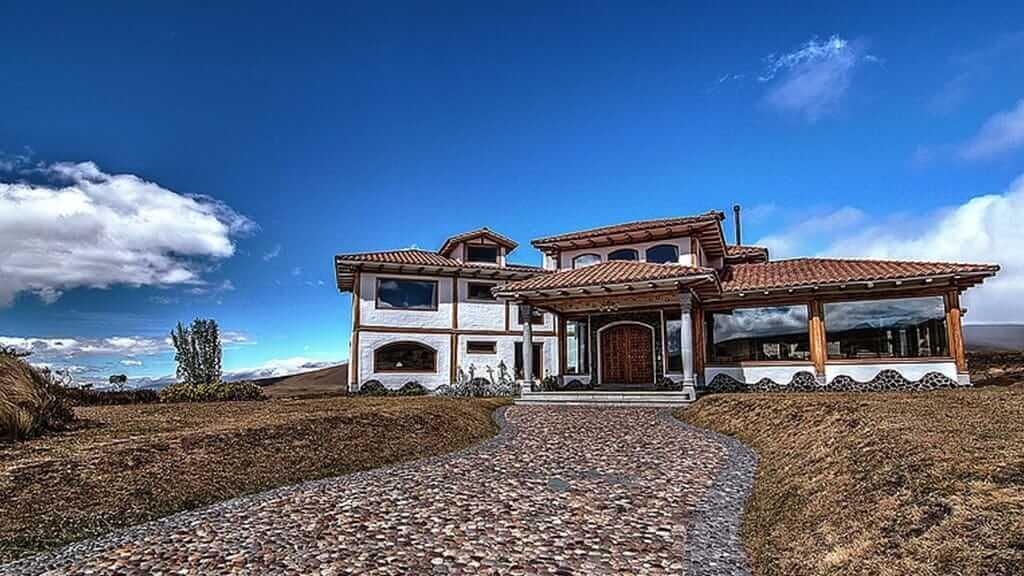 hacienda los mortinos in cotopaxi national park ecuador