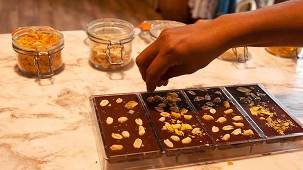 homemade chocolate classes at la danesa guayaquil ecuador