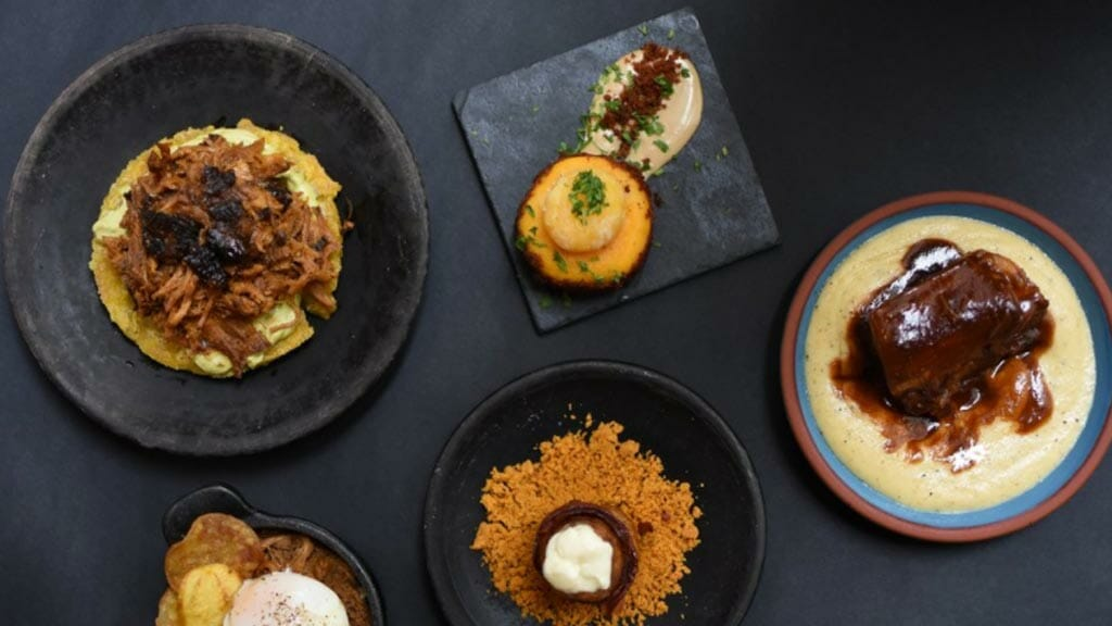 ecuadorian food - la pizarra restaurant quito