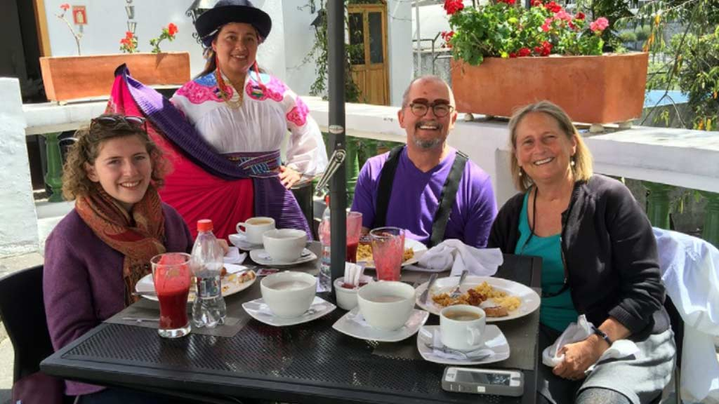 tourists dining at los milagros restaurant quito