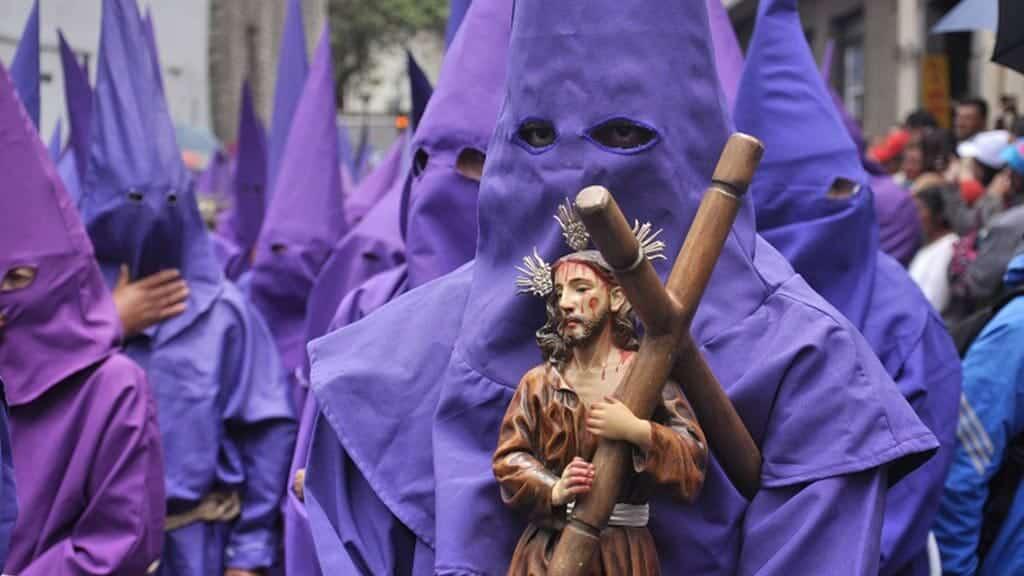 ecuador semana santa holy week parade