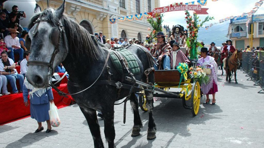 horse and carriage parade in the the paseo del chagra machachi ecuador
