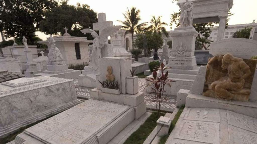 the white city cemetary in guayaquil ecuador