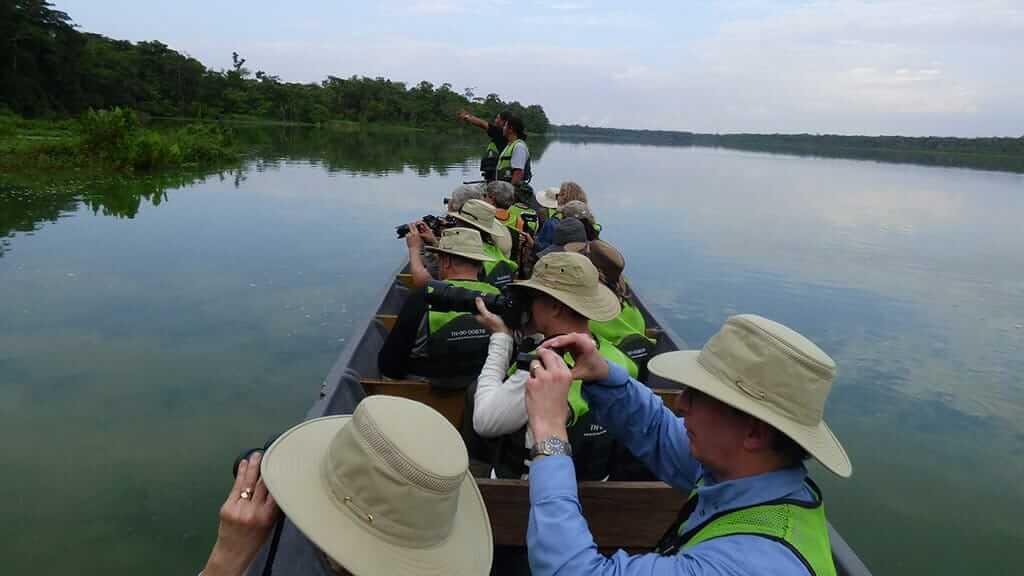 tourists-amazon-jungle-ecuador