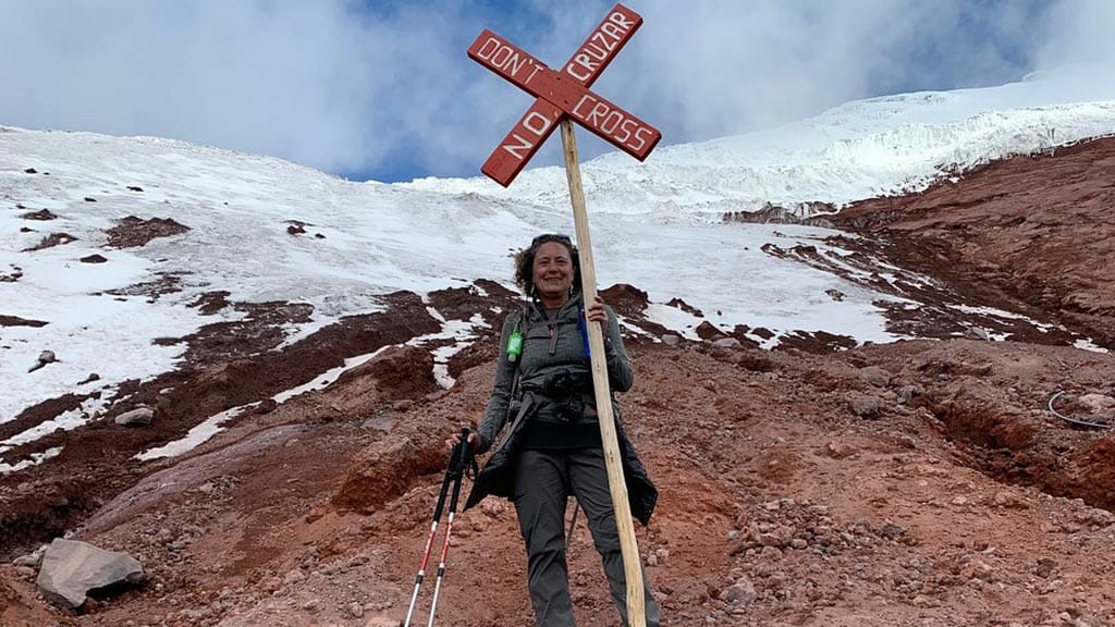 tourists-in-the-cotopaxi-volcano-private-tour