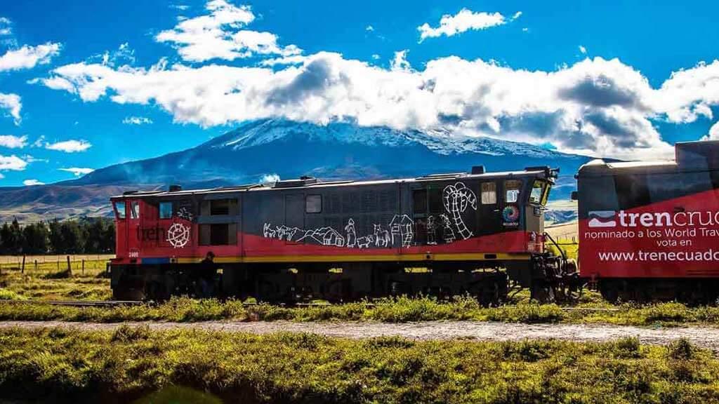 ecuador tren crucero red carriages