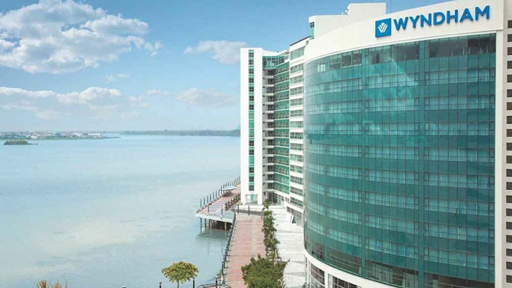 guayaquil wyndham hotel on the waterfront in ecuador