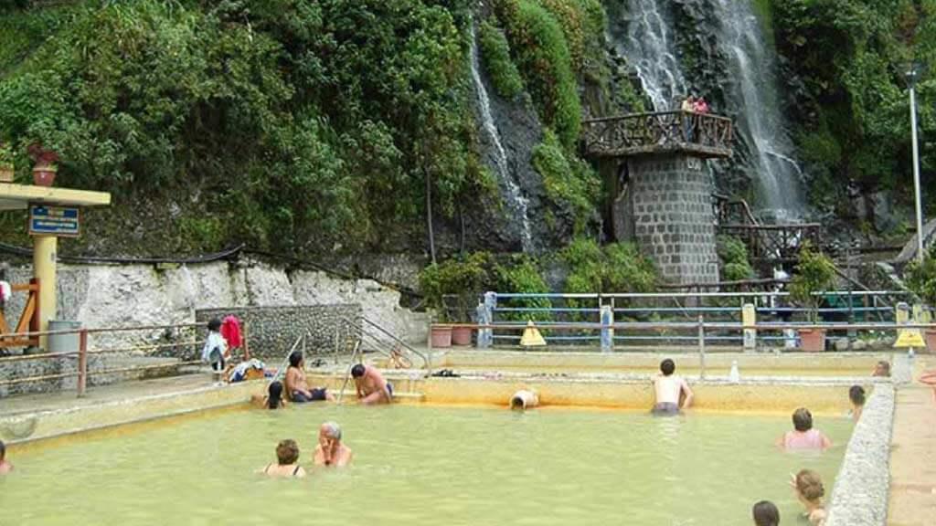 baños-hot-springs-thermal-baths
