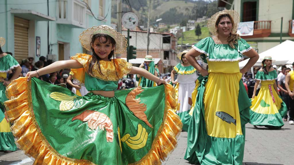 guaranda town has the most popular ecuador carnival celebrations