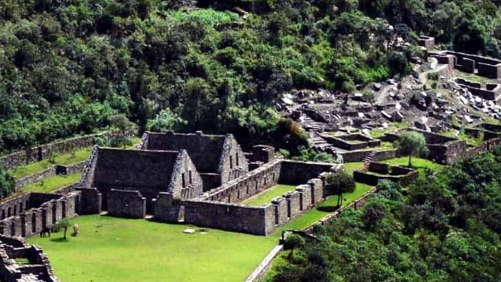 ancient-peru-ruins-choquequirao