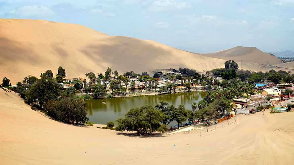 places to visit in peru - desert oasis of huacachina ica