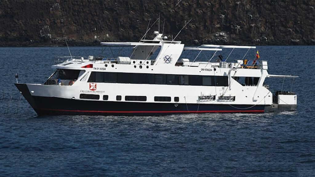 humboldt-explorer-dive-yacht