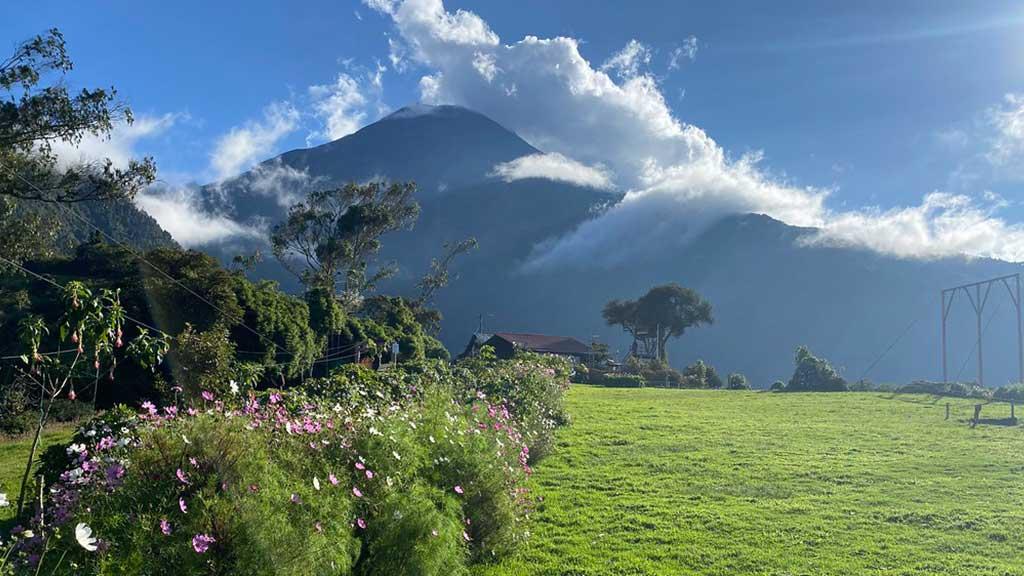 la casa del arbol banos ecuador