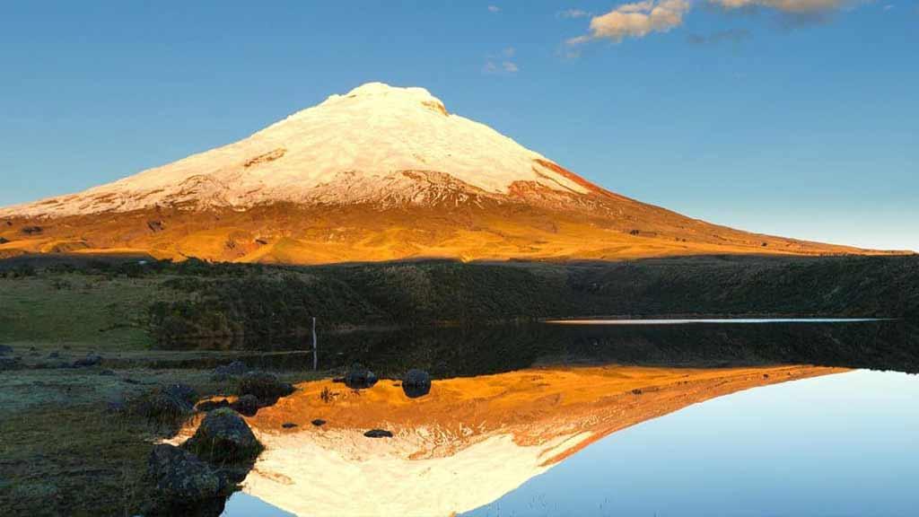 cotopaxi-volcano-ecuador-travel-destination
