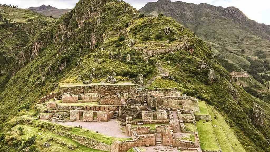 peru-ancient-ruins-pisac