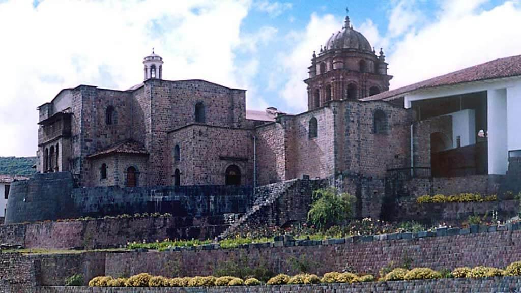 ancient-ruins-peru-qoricancha-templo del sol