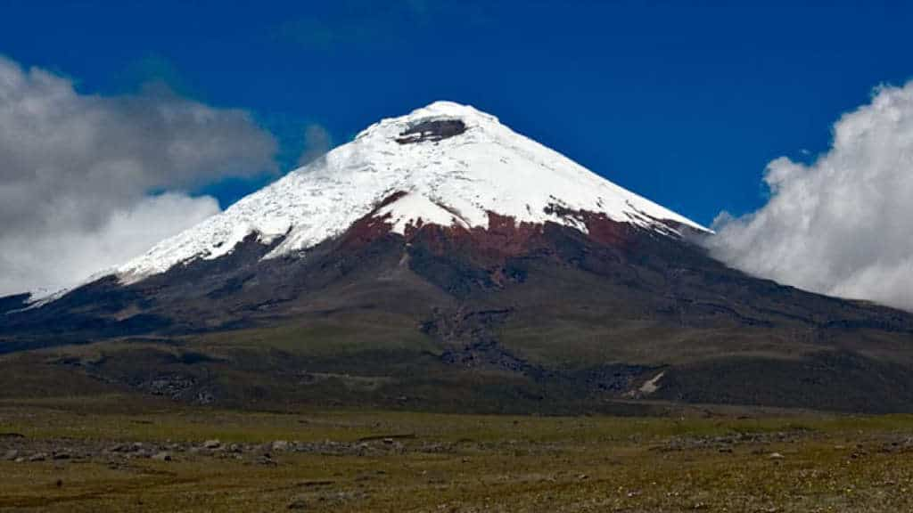 the-avenue-of-the-volcanoes