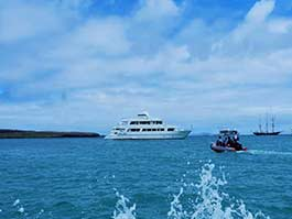 experience-aboard-galaxy-cruise-galapagos-islands