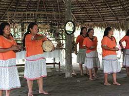 indigenous-people-ecuadorian-amazon-rainforest