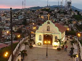 what to do in guayaquil - city landscape at night