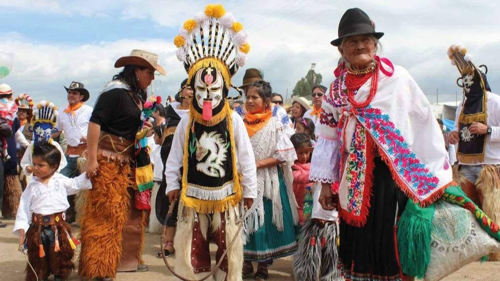 locals dressed up ready for the inti raymi party